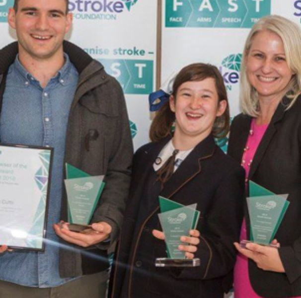 (L-R): Australian Physiotherapy Association CEO Cris Massis with Brendan Cutts, winner of the Stroke Foundation Fundraiser of the Year Award; Sophie and Amanda Clayton, joint winners of the Courage Award; and APA Neurological group Chair Melissa Birnbaum.