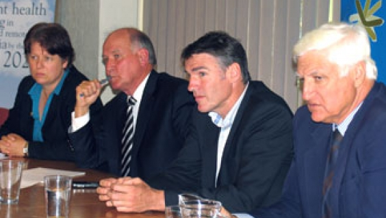 Independent Tony Windsor, Rob Oakeshott and Bob Katter meet with the National Rural Health Alliance in the week after the federal election. Also pictured, Jenny May, Alliance Chair.